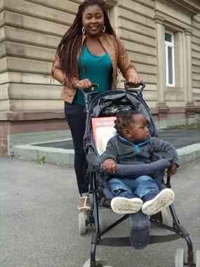 Ein Kinderwagen für Pako
